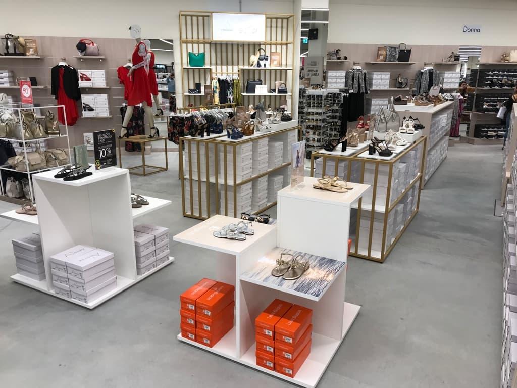 new styles 7c309 6b1e4 New look per il nuovo negozio Scarpe & Scarpe a Roma Salaria